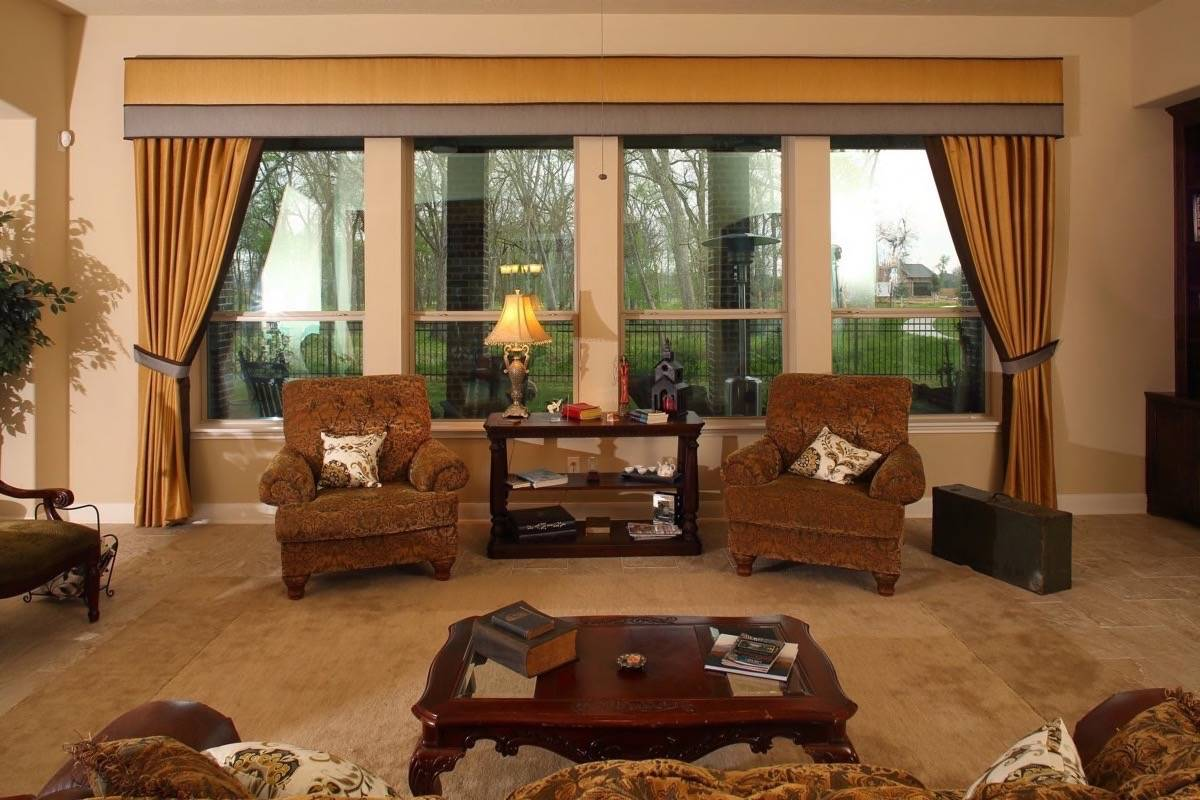 Custom Drapery Fort Bend - Custom Drapes Rosenberg - Drapes Color Consultation